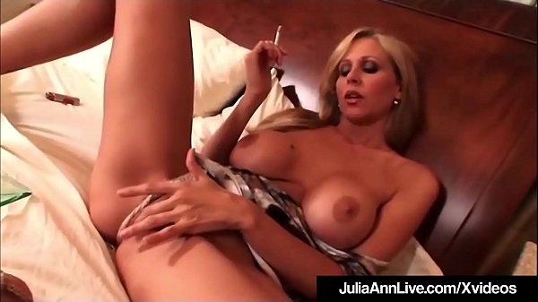 Julia ann, Anne, Julia, Blonde milf