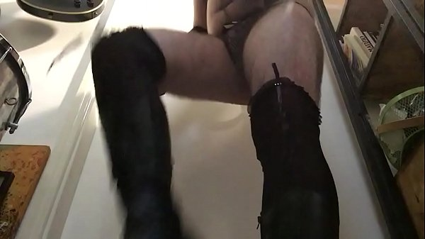 Sissy, Boots